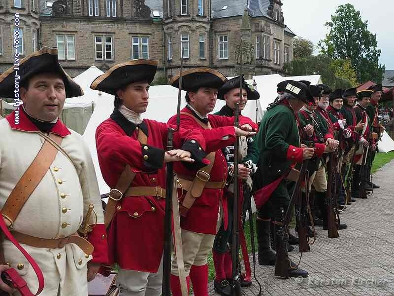 http://www.history-live-foto.com/bgal3/cache/vs_Barocktage%20Bueckeburg%202017%20Soldaten_BB17_E2174557.jpg