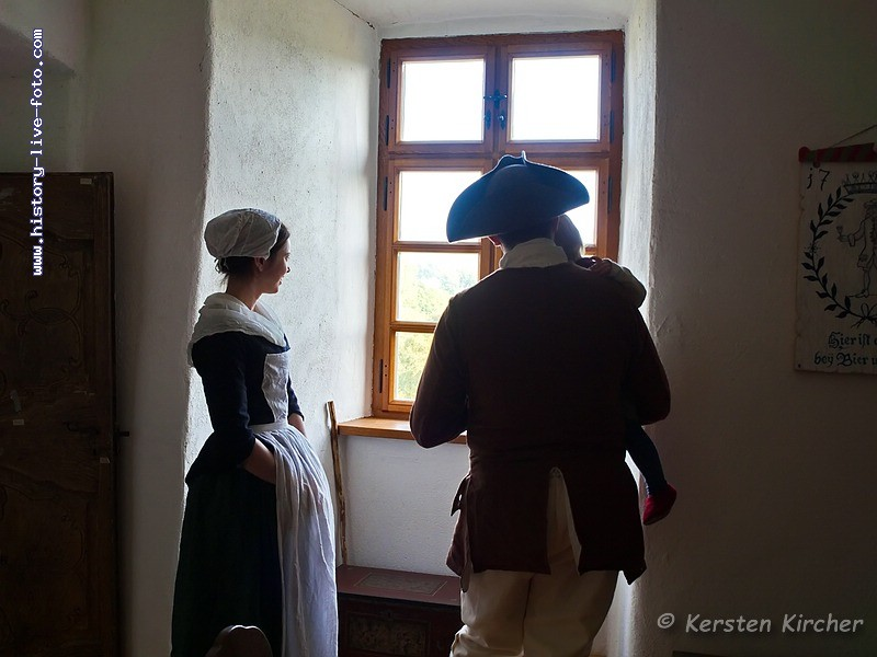 http://www.history-live-foto.com/bgal3/cache/vs_Burgtreswitz%202017_tres17_E2170218.jpg