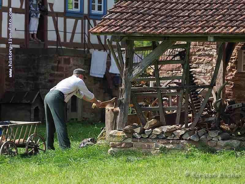 http://www.history-live-foto.com/bgal3/cache/vs_Gottersdorf%20Stunde%20null%202017%20Dorfleben_gotnul_E2170515.jpg