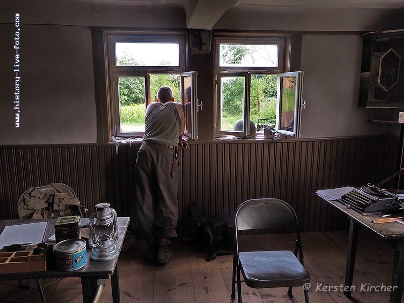 http://www.history-live-foto.com/bgal3/cache/vs_Gottersdorf%20Stunde%20null%202017%20Hauptquartier_gotnul_M1170092.jpg