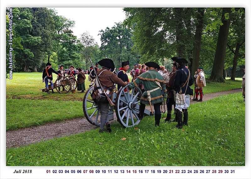 http://www.history-live-foto.com/bgal3/cache/vs_Kalender18militaer_kalender18_08.jpg