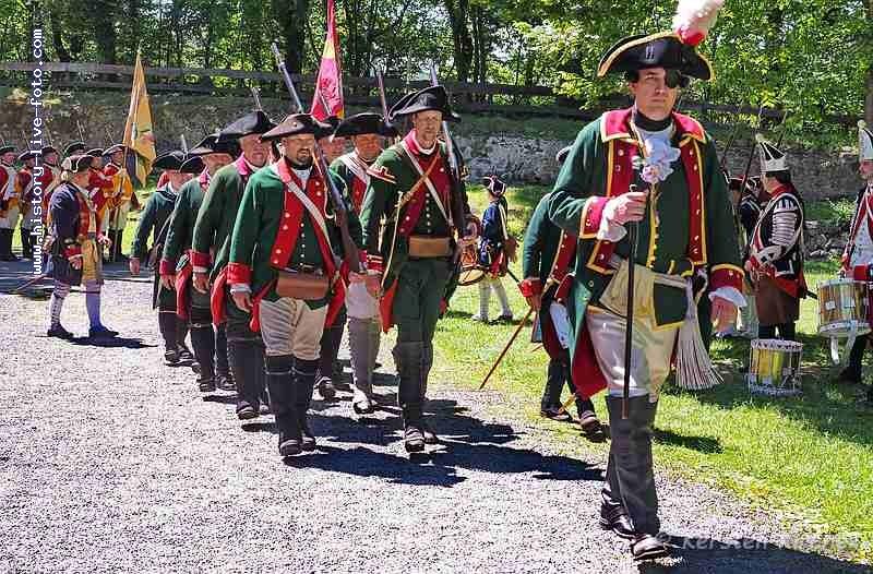 http://www.history-live-foto.com/bgal3/cache/vs_Schlacht%20um%20Dillenburg%20Strassenschlacht%202017_dill17_M1171780.jpg