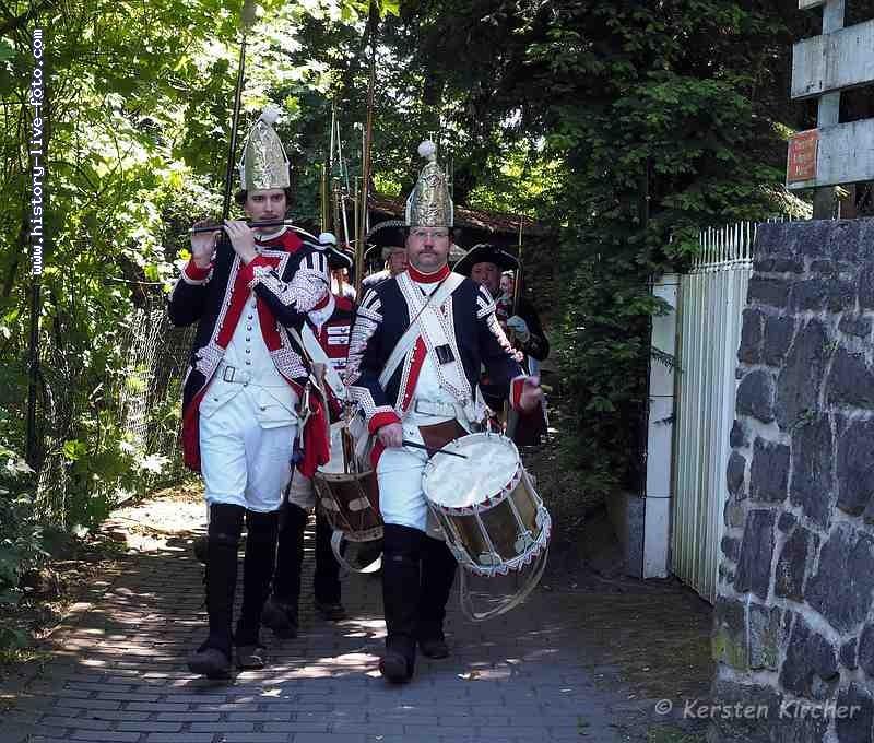 http://www.history-live-foto.com/bgal3/cache/vs_Schlacht%20um%20Dillenburg%20Strassenschlacht%202017_dill17_M1171854.jpg