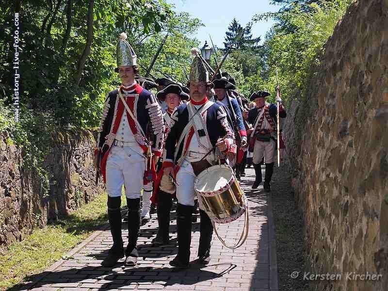 http://www.history-live-foto.com/bgal3/cache/vs_Schlacht%20um%20Dillenburg%20Strassenschlacht%202017_dill17_M1171865.jpg